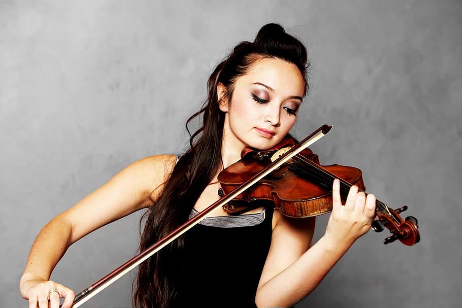 tocando violino posicao